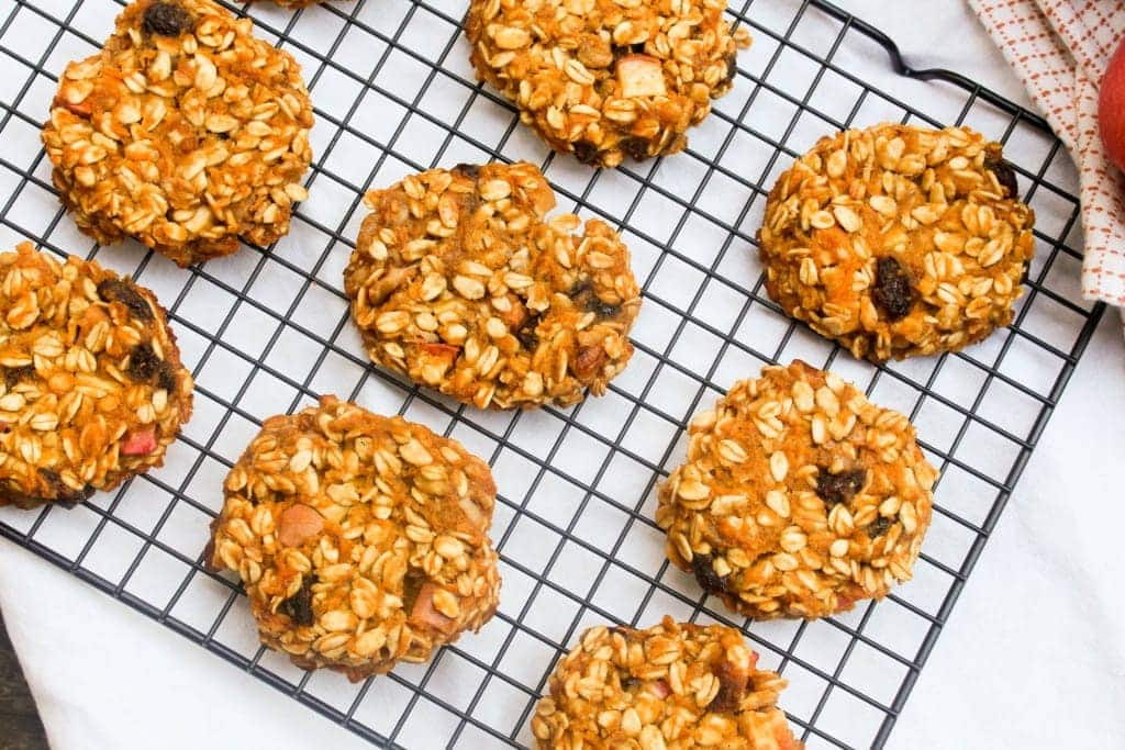 These delicious cookies are chock full of fall flavor and healthy enough for breakfast! #glutenfree #vegan
