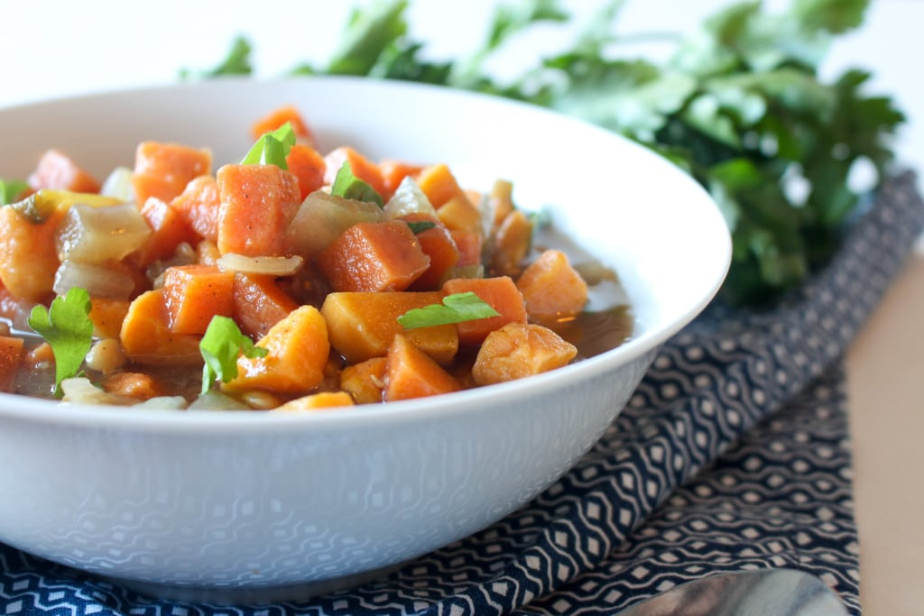 This soup is SO comforting and the perfect to curl up with after a long day. #glutenfree #vegan #healthy