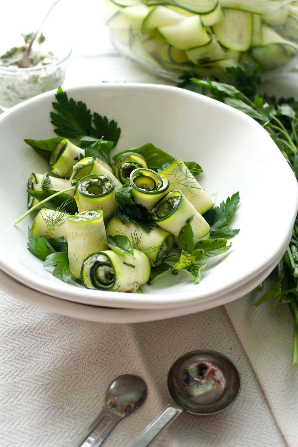 Hummus, herbs, and zucchini are all you need to make this tasty summer dish!