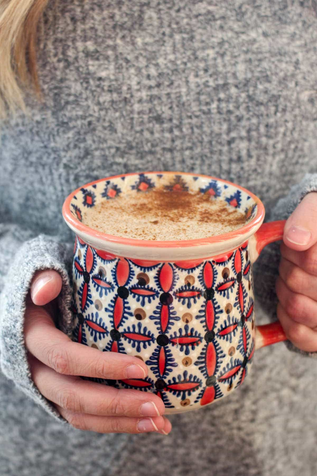 This Superfood Maca Latte is a sweet and creamy pick me up that gives you energy without the crash that comes with caffeine. Maca has been known to increase energy, regulate hormones, and reduce inflammation. Easy to make with 5 ingredients and 1 simple step!   CatchingSeeds.com