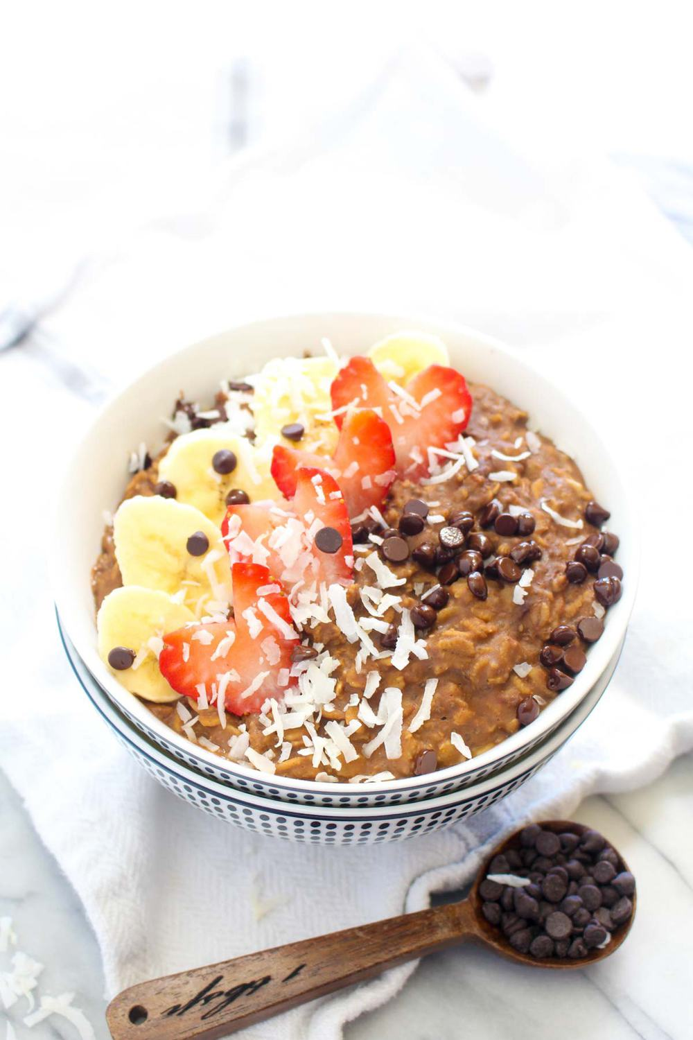 Chocolate Protein Oatmeal (no protein powder) - Catching Seeds