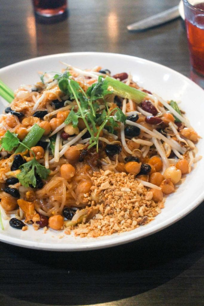 This San Diego Plant Based Eating Guide is full of great restaurants to hit when staying in San Diego! All spots have vegan and gluten-free options, and some serve all styles of food to satisfy everyone in your crew. | CatchingSeeds.com