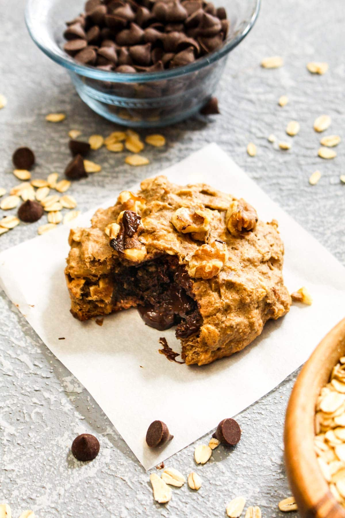 These Chocolate Stuffed Banana Nut Breakfast Cookies are making dreams come true. This recipe tastes like a soft and sweet cookie but is healthy enough to eat for the most important meal of the day. Made with gluten free whole grains and sweetened with banana and a touch of maple syrup. Gluten free, vegan, oil free, naturally sweetened. | CatchingSeeds.com