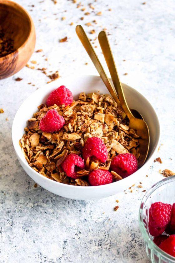 Paleo Coconut Almond Granola (Grain Free + Vegan!)