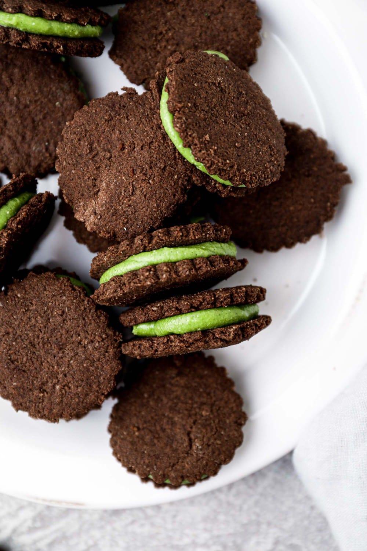 Vegan mint cookies with chocolate.