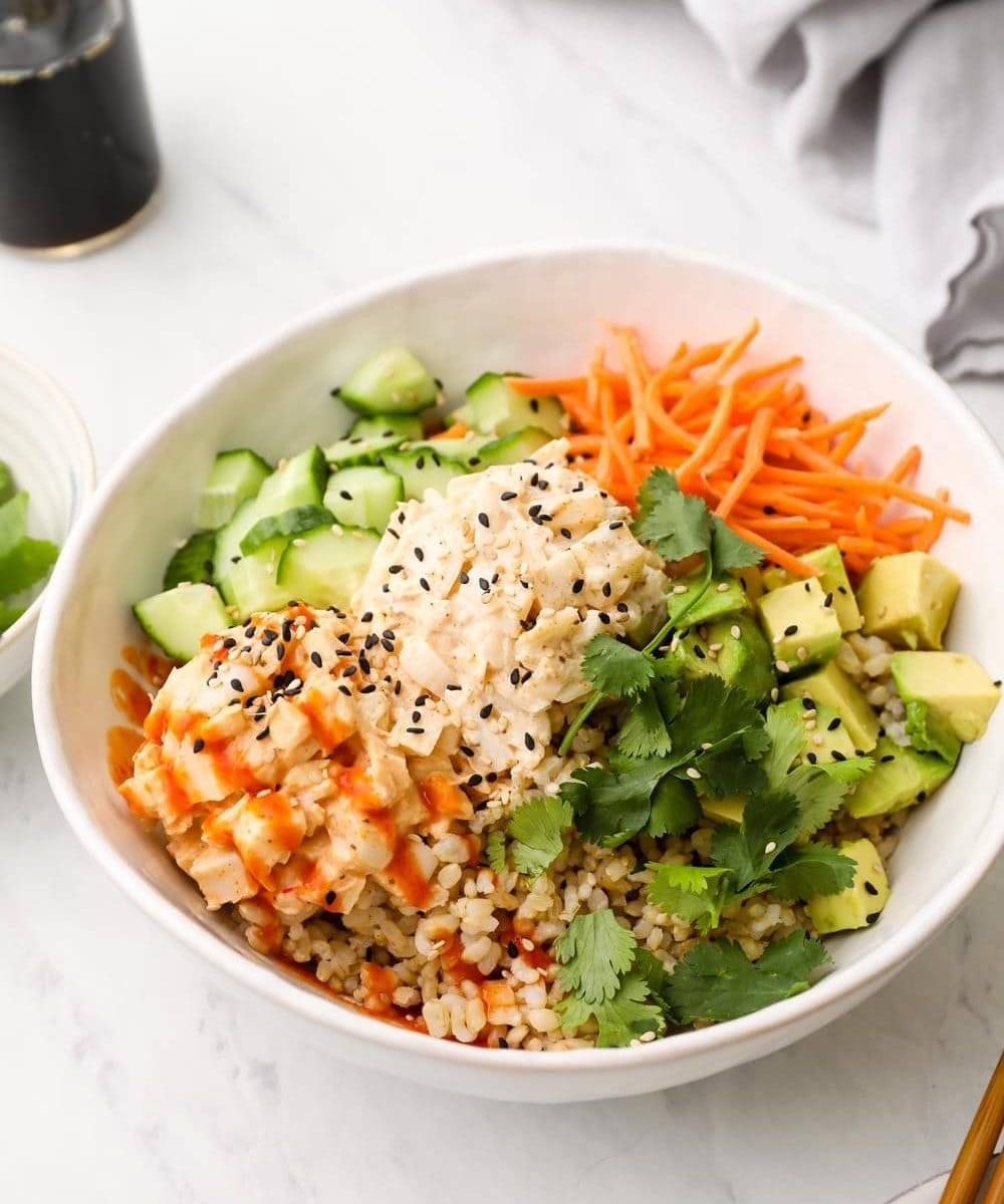 Vegan sushi bowl with brown rice and veggies.