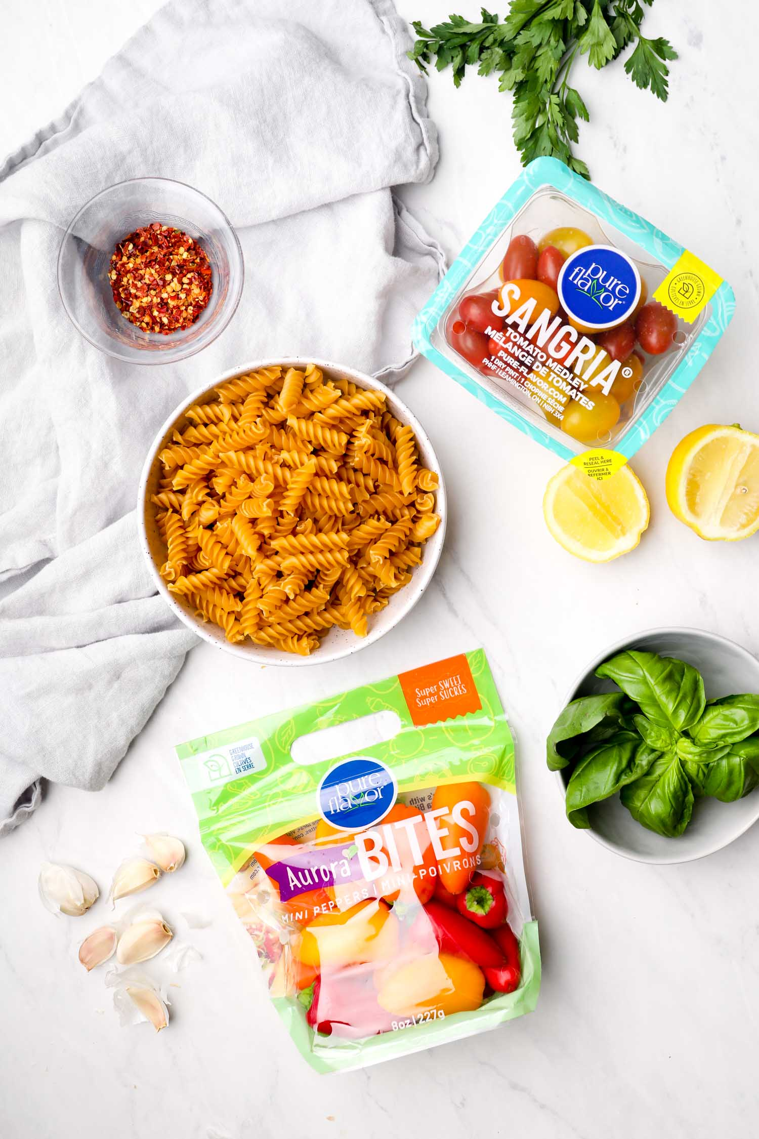The ingredients needed for Vegan Pasta Primavera