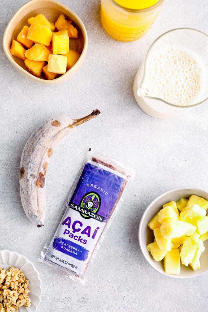 Ingredients to make an acai smoothie.